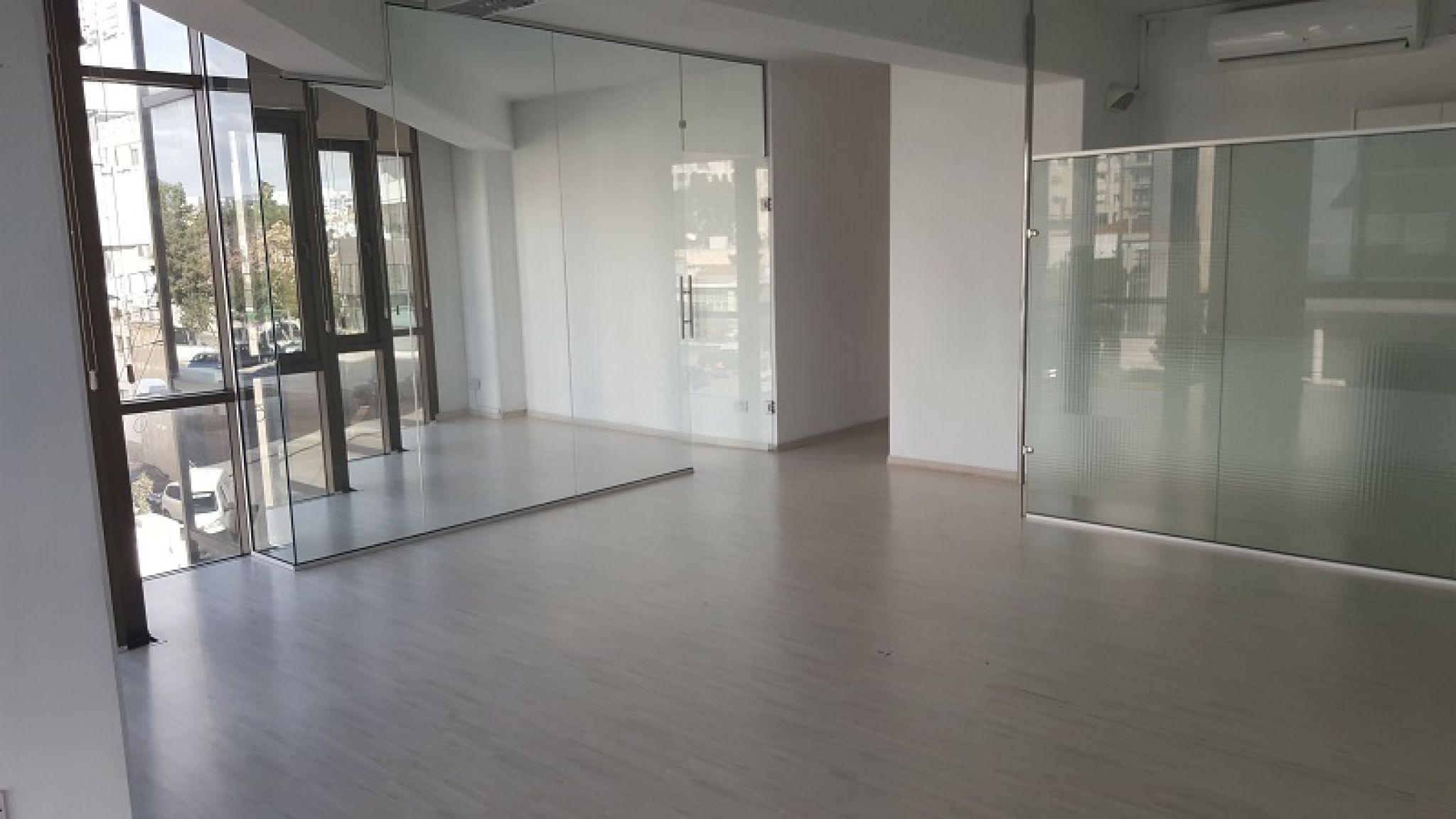 Beautiful Office Space For Rent 5 Min Walking From Beach