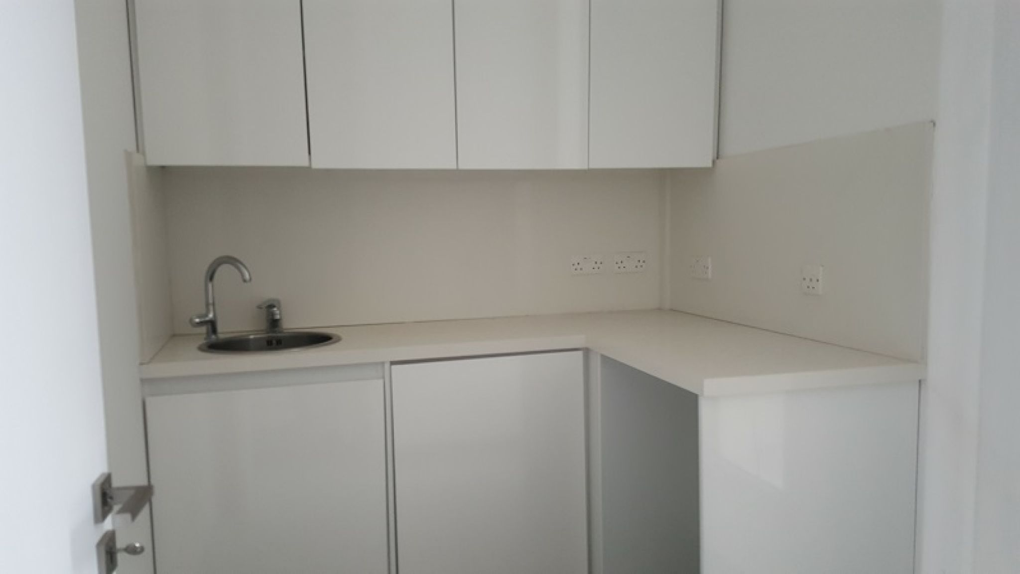 Office space available for rent in limassol town center commercial spaces in cyprus - Small business spaces for rent set ...