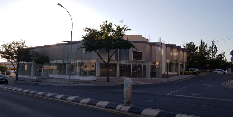 Large ground floor office for rent www.comspacesincyprus.com 1