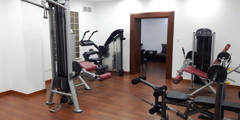 Luxury office space with sauna and gym www.comspacesincyprus.com 10