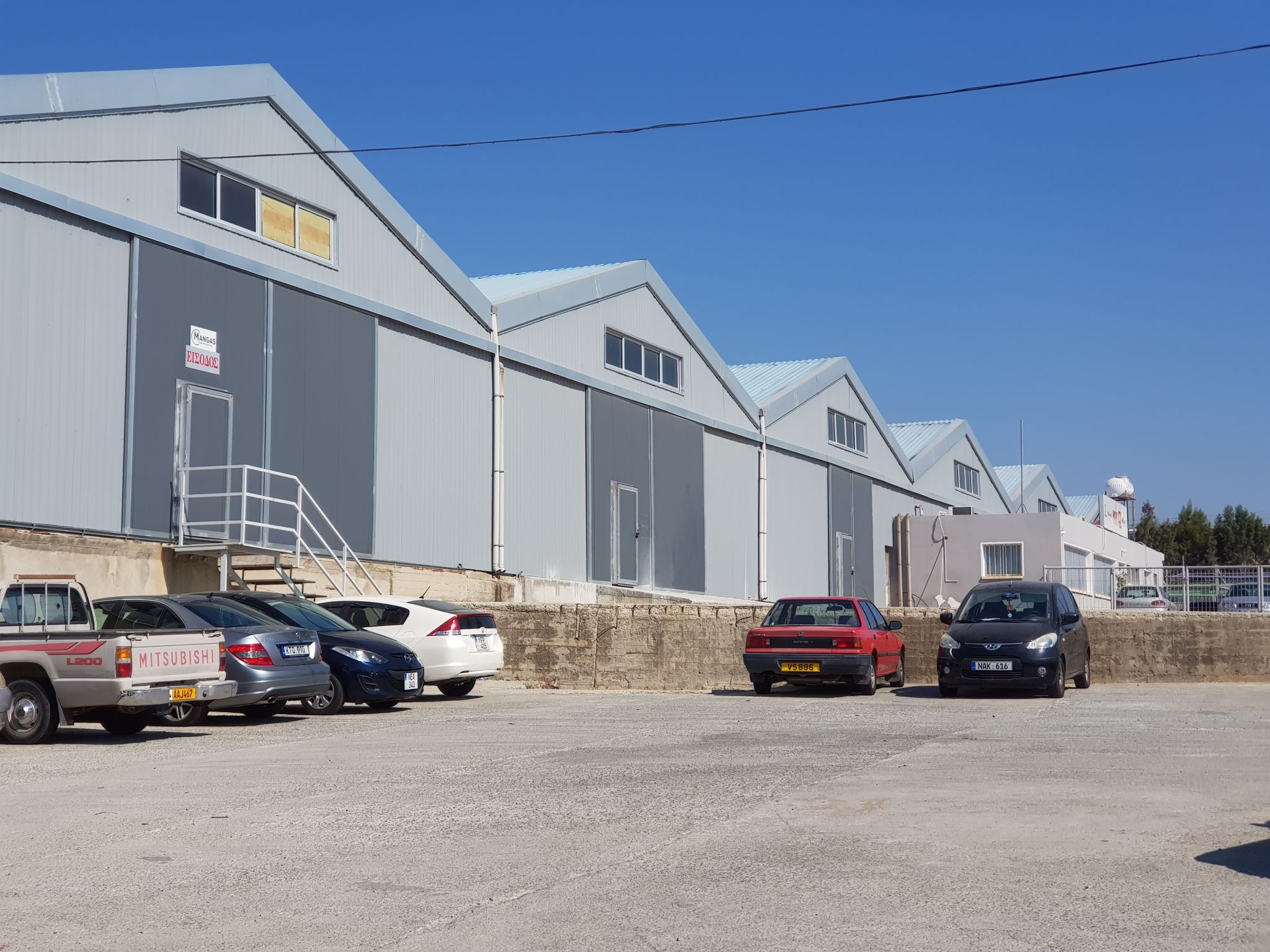 Large Warehouse in a very good location close to highway and port