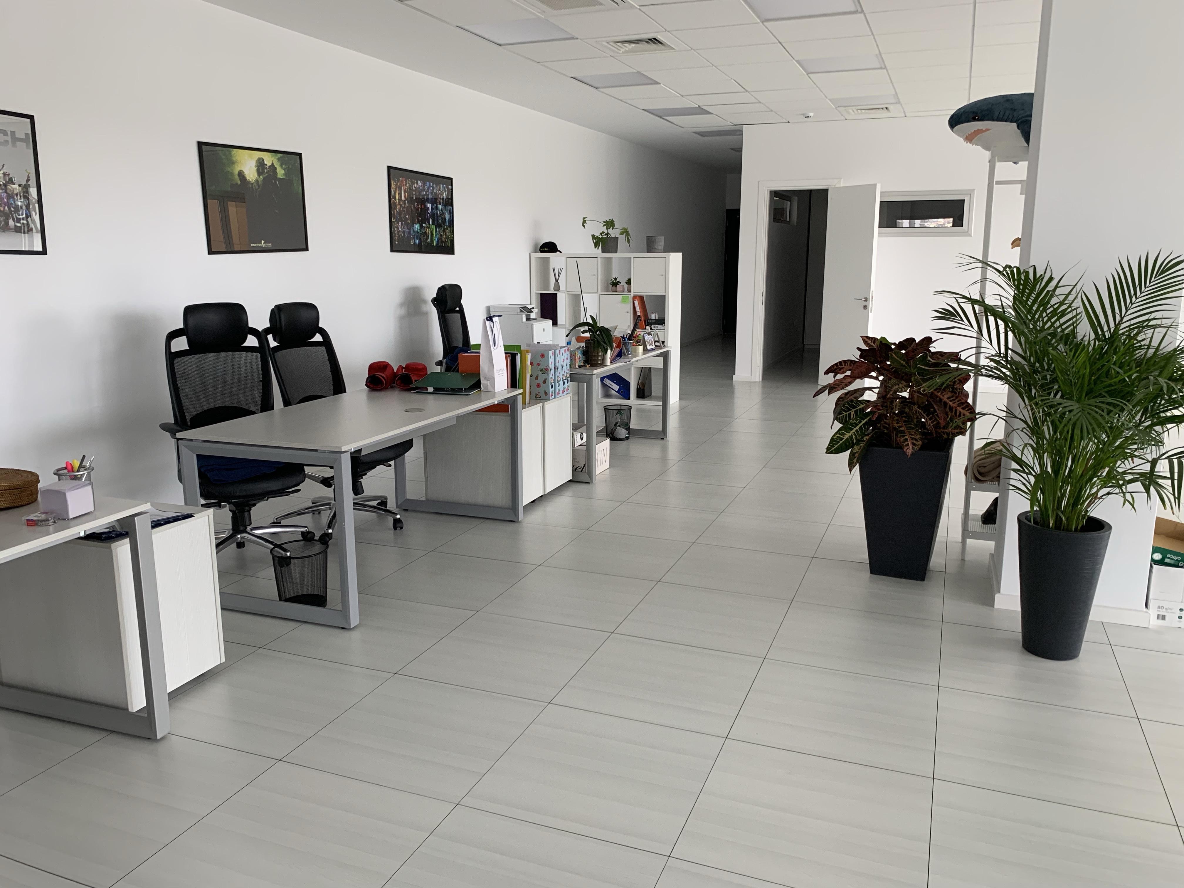 Luxury office close to Jumbo Ayios Athanasios
