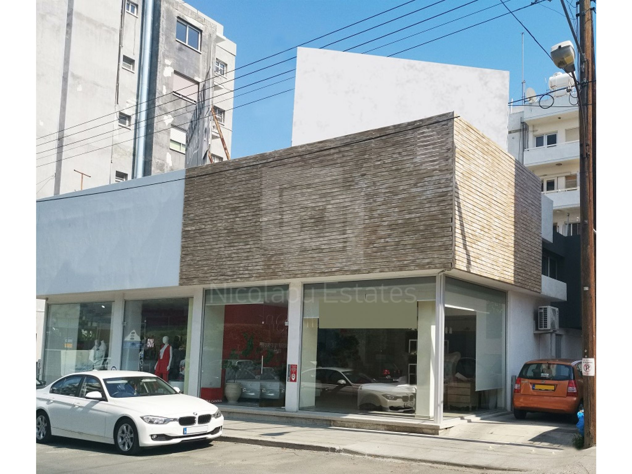 Shop for rent in Neapolis area in Griva Digeni street