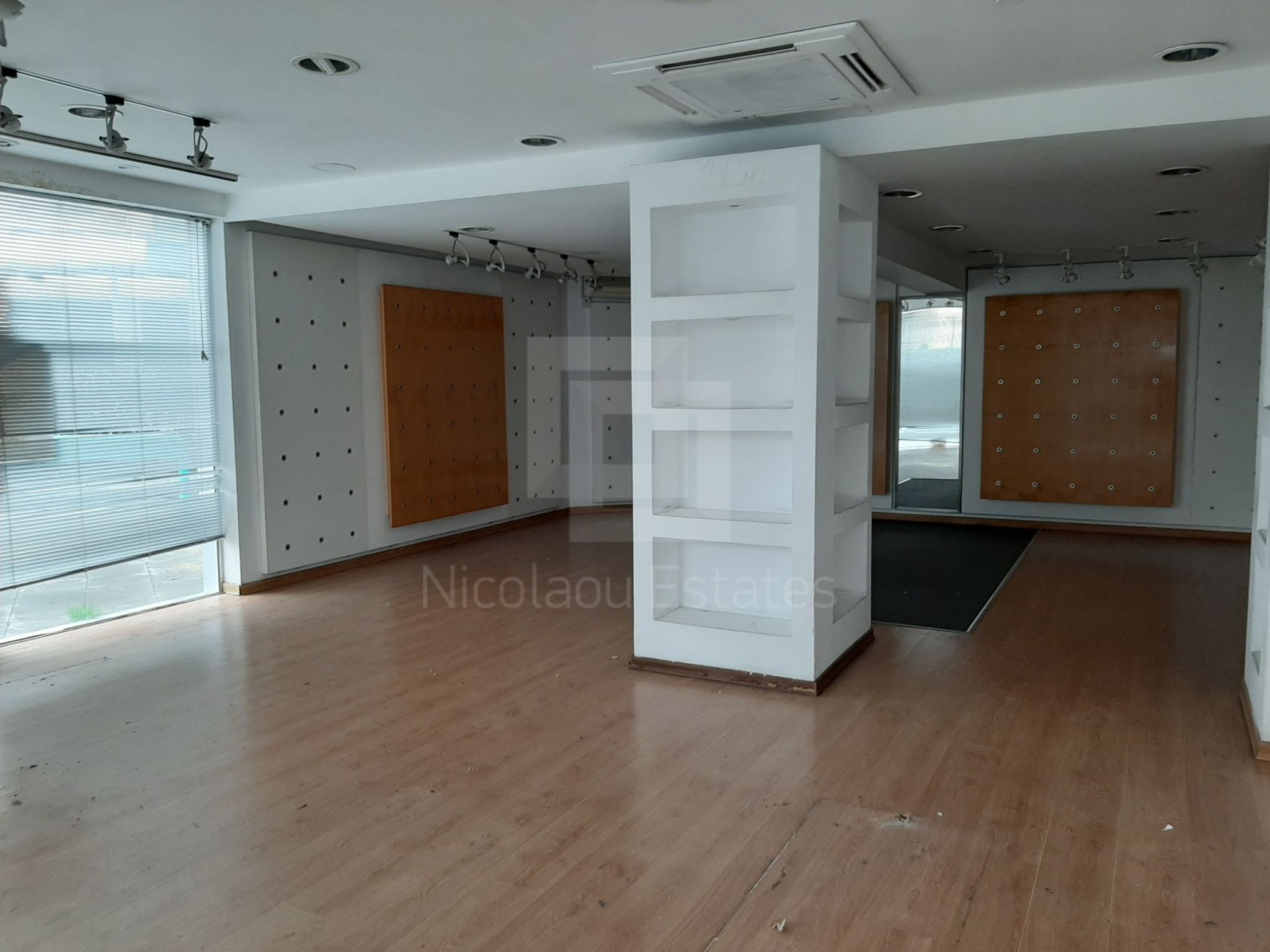 Corner shop for sale in Enaerios seafront area of Limassol