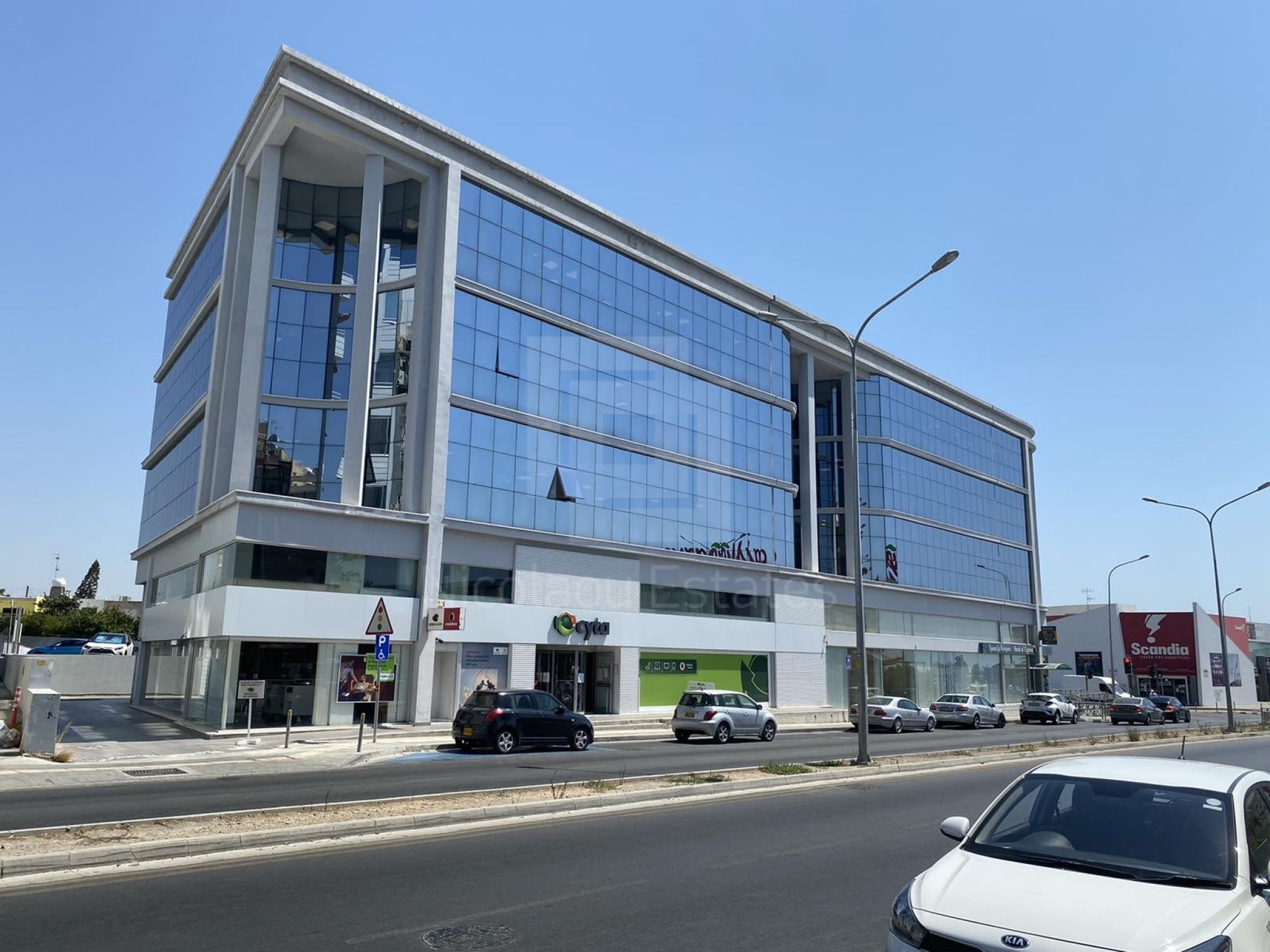 Modern open plan office for rent in Kapsalos with easy access to the highway